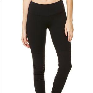 Alo Yoga all black Goddess leggings